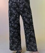 Floral Print Pull On Wide Leg Pant, Black, original image number 1
